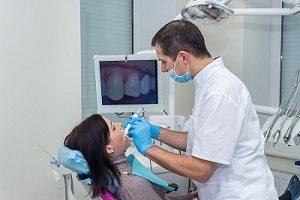 بهترین کلینیک ایمپلنت دندان را چگونه تشخیص دهیم؟