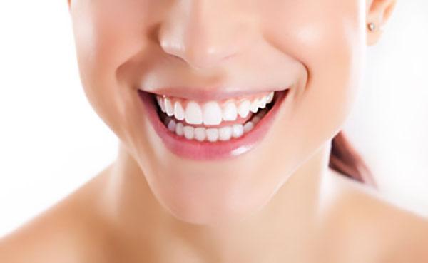 سن مناسب لمینت دندان - کلینیک ایران زمین